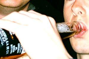 Risposte di cura di alcolismo da metodi nazionali